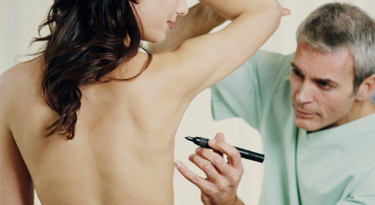 Quatre conseils pour une récupération saine suite à une augmentation mammaire