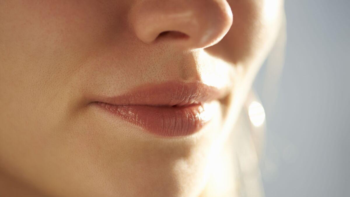 Comment affiner le nez sans chirurgie ?